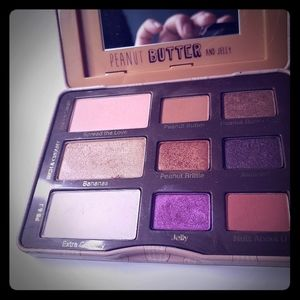 Too faced Peanut Butter &Jelly Palette